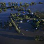 Alluvioni record in Australia: ancora 20mila sfollati, confermate le prime vittime [FOTO]
