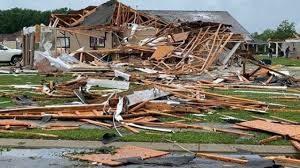 distruzione tornado