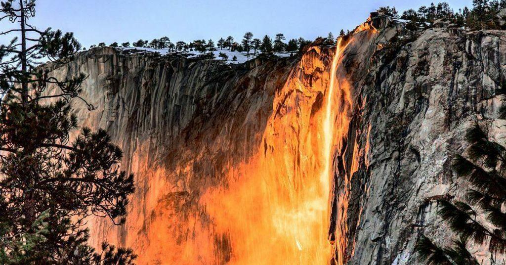 cascata fuoco yosemite