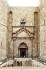 castel del monte entrata
