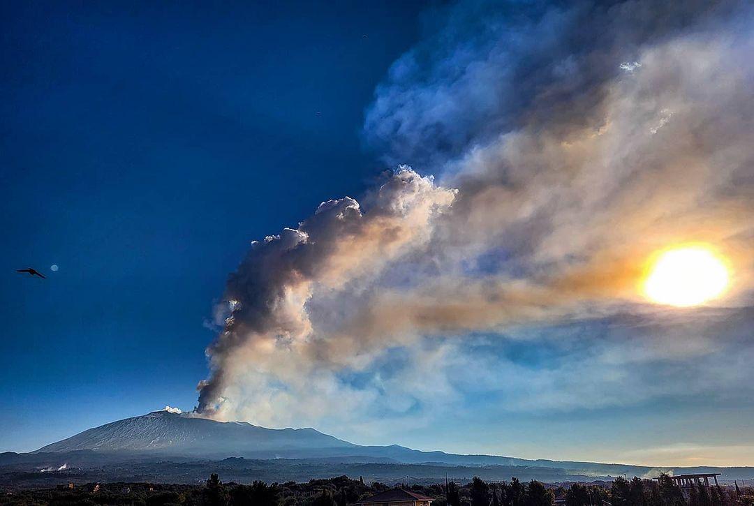 eruzione etna oggi cenere