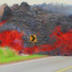 Eruzione del vulcano Pacaya in Guatemala: la lava raggiunge le case e incenerisce ettari di vegetazione [FOTO e VIDEO]