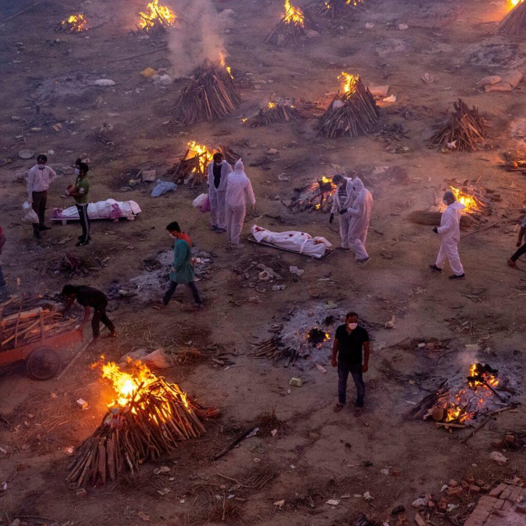india corpi cremati