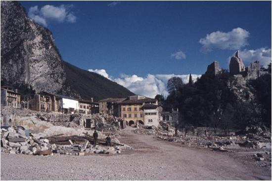 Il Castello di Gemona dopo le scosse di settembre 1976