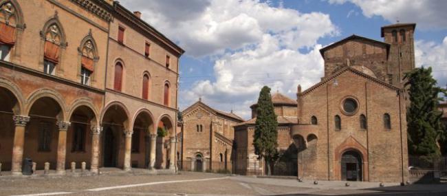bologna-piazza-delle-sette-chiese