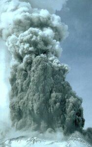 eruzione freatica st, elena