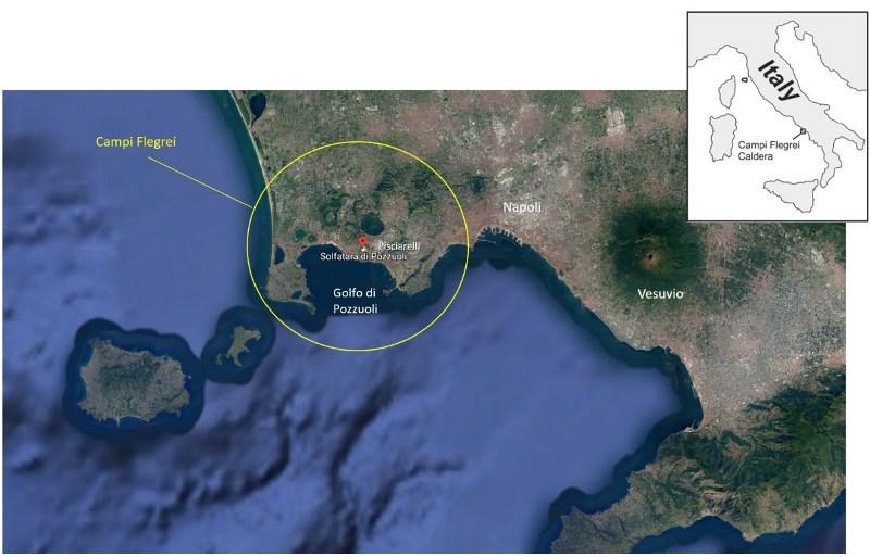Figura 1 – Immagine satellitare della caldera dei Campi Flegrei, con le ubicazioni dei siti della Solfatara e di Pisciarelli
