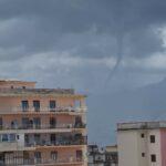 Maltempo Campania: spettacolare funnel cloud a Torre Annunziata [FOTO]