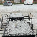 Maltempo, violenti temporali in Veneto: devastante grandinata imbianca le strade ad Asolo, agricoltura ko [FOTO e VIDEO]