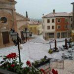 Maltempo, forti temporali in Veneto: grandinate e forte vento nella regione, alcune località imbiancate [FOTO]