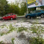 Maltempo, forti temporali in Piemonte: grandine e strade allagate a Torino, funnel cloud nell'Alessandrino [FOTO]