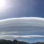 Tre spettacolari nubi lenticolari incantano il Sud: immagini mozzafiato tra l'Aspromonte e l'Etna – FOTO