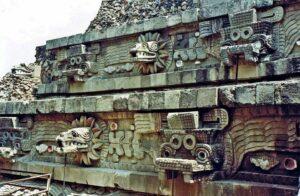 quetzacoaltl teotihuacan