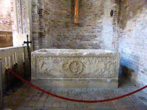 sarcofago san vitale bologna