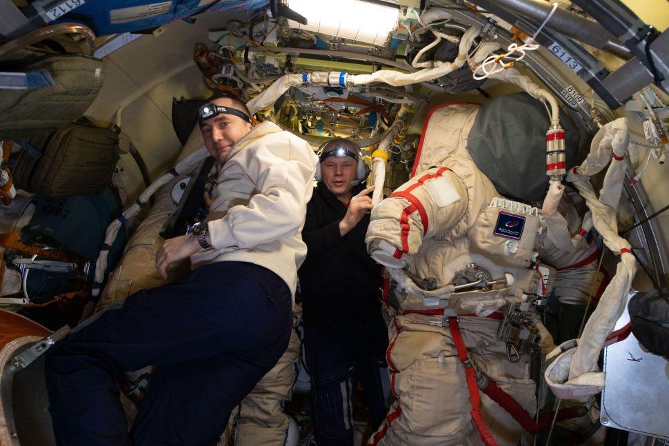 I cosmonauti Pyotr Dubrov e Oleg Novitskiy NASA