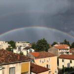 """Maltempo a Milano: """"temporale-bomba"""", clamoroso crollo termico e un doppio arcobaleno – FOTO"""