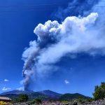 Violento parossismo dell'Etna: cessata la fontana di lava, attivi due trabocchi lavici [FOTO]