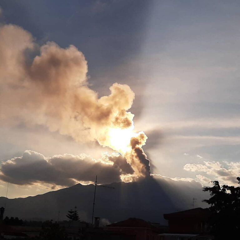 Etna, eruzione del 4 giugno 2021