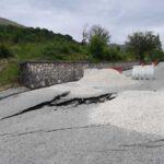 Frana taglia provinciale in due a Castelpizzuto: comune isolato nell'Isernino [FOTO]