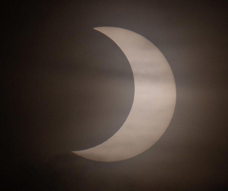L'eclissi vista dagli USA. Foto CJ Gunther / Ansa