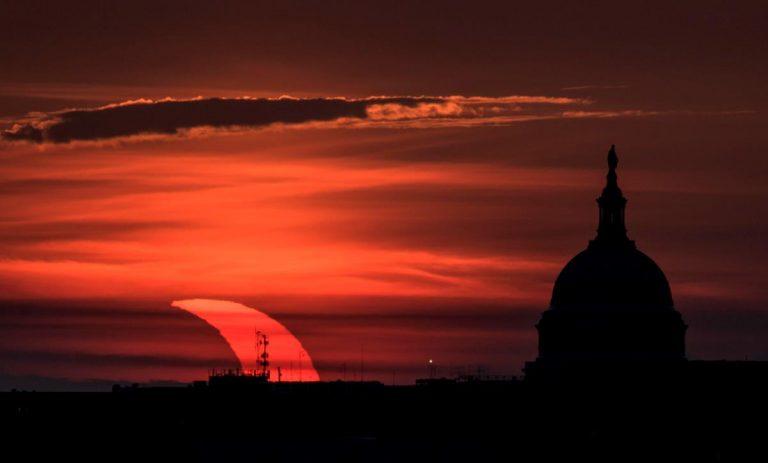 L'eclissi vista dagli USA. Foto NASA / Bill Ingalls