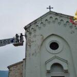 Maltempo Marche, fulmine colpisce chiesa a Sassoferrato: edificio non fruibile [FOTO]