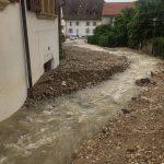 Maltempo Svizzera, gravi inondazioni nel Canton Neuchâtel: fiumi di acqua e fango devastano Cressier [FOTO e VIDEO]