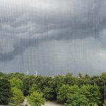 Maltempo, forti temporali in varie zone del Piemonte: violento nubifragio con raffiche di vento fino a 70km/h a Torino, allagamenti [FOTO e VIDEO]