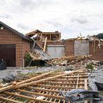 Maltempo, tornado semina il caos in Belgio: circa 100 case danneggiate e 17 feriti a Beauraing [FOTO]