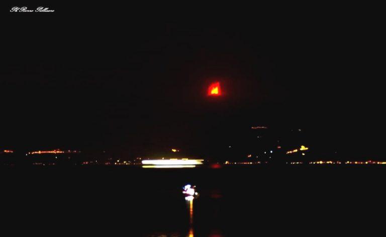 L'eruzione dell'Etna vista da Reggio Calabria (Gallico). Foto di Renzo Pellicano