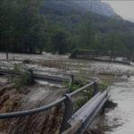 Iniziata una giornata di forte maltempo al Nord: piogge torrenziali nell'Alto Piemonte, frane e torrenti esondati [FOTO e VIDEO]