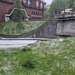 Maltempo, Valle d'Aosta verso lo stato di emergenza: forti grandinate danneggiano i vigneti, Cervinia imbiancata [FOTO e VIDEO]