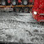 Maltempo, grandine di grandi dimensioni in Piemonte: traffico bloccato sulla tangenziale sud di Torino [FOTO e VIDEO]