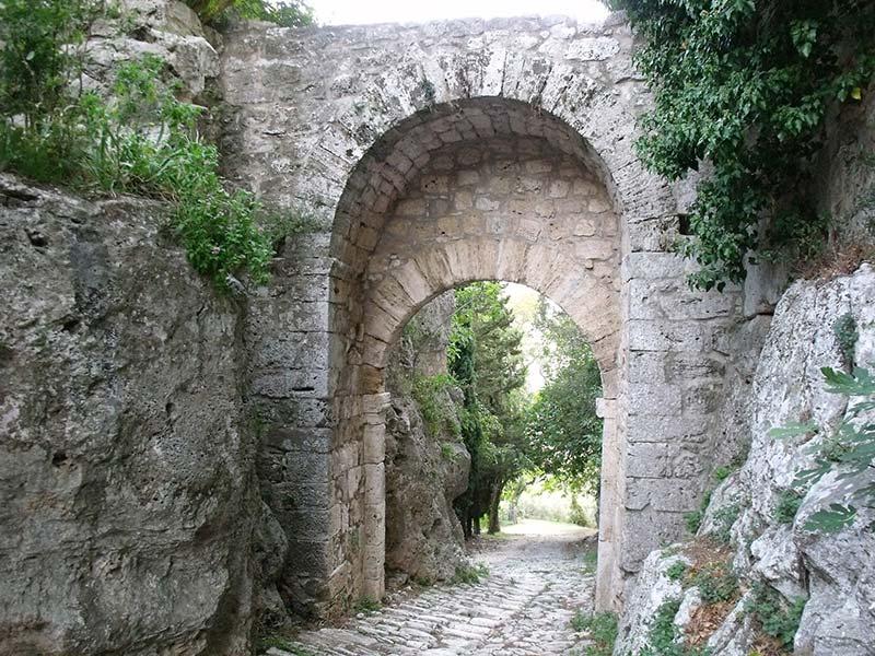porta romana saturnia