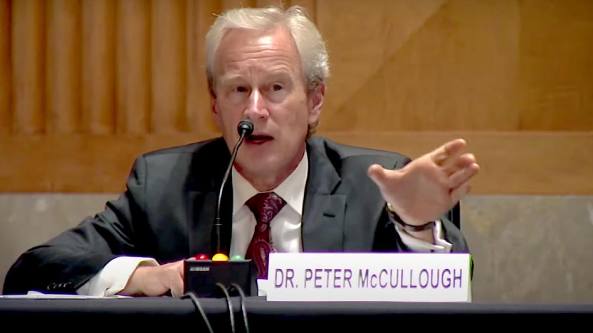 """Peter McCullough: """"i vaccini non funzionano e stanno creando una fuga  immunitaria del virus, stiamo giocando con Madre Natura. Adesso i vaccinati  sono i più a rischio, si sentono al sicuro erroneamente"""""""