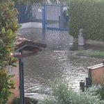 Notte di forte maltempo in Lombardia: il Lura esce dagli argini a Lainate, esondato il Seveso a Milano [FOTO]