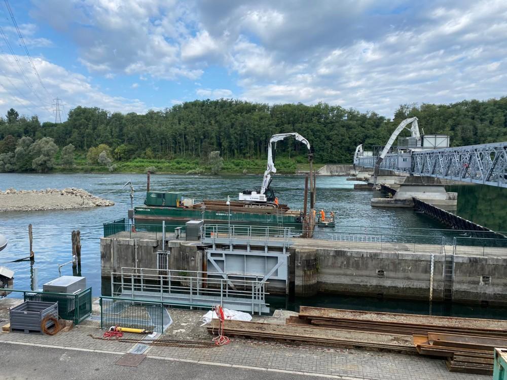 Lavori sbarramento Miorina su lago Maggiore