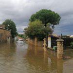 Storica alluvione in Francia, oltre due mesi di pioggia in qualche ora nel Gard: un disperso e tanta devastazione – FOTO e VIDEO