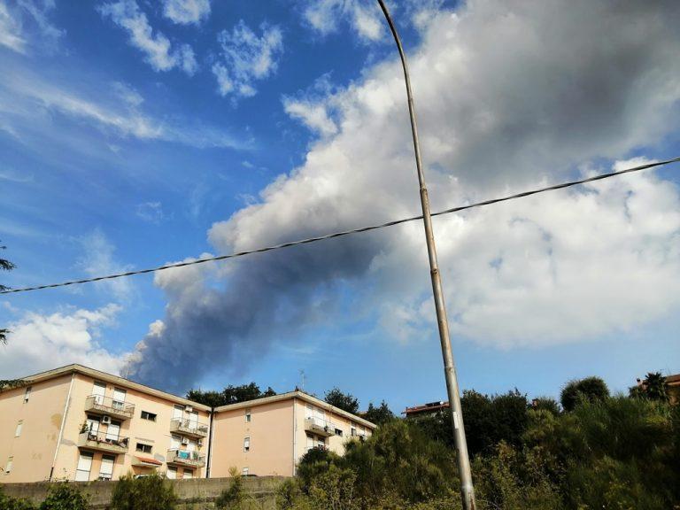 L'eruzione dell'Etna vista da Zafferana Etnea. Foto di Antonella Infanta