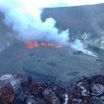 Uno dei vulcani più attivi della Terra sta eruttando alle Hawaii: fontane di lava dal cratere Halemaumau del Kilauea [FOTO e VIDEO]