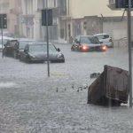 Forti temporali al Sud: nubifragi nel Salento, allagamenti a Nardò e Leverano – FOTO e VIDEO