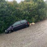 Maltempo, piogge torrenziali e grandine nel sud della Francia: inondazioni e 12.000 fulmini sull'area – FOTO e VIDEO