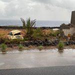 Maltempo, tragedia a Pantelleria: tornado investe una decina di auto, almeno 2 morti e 9 feriti – FOTO