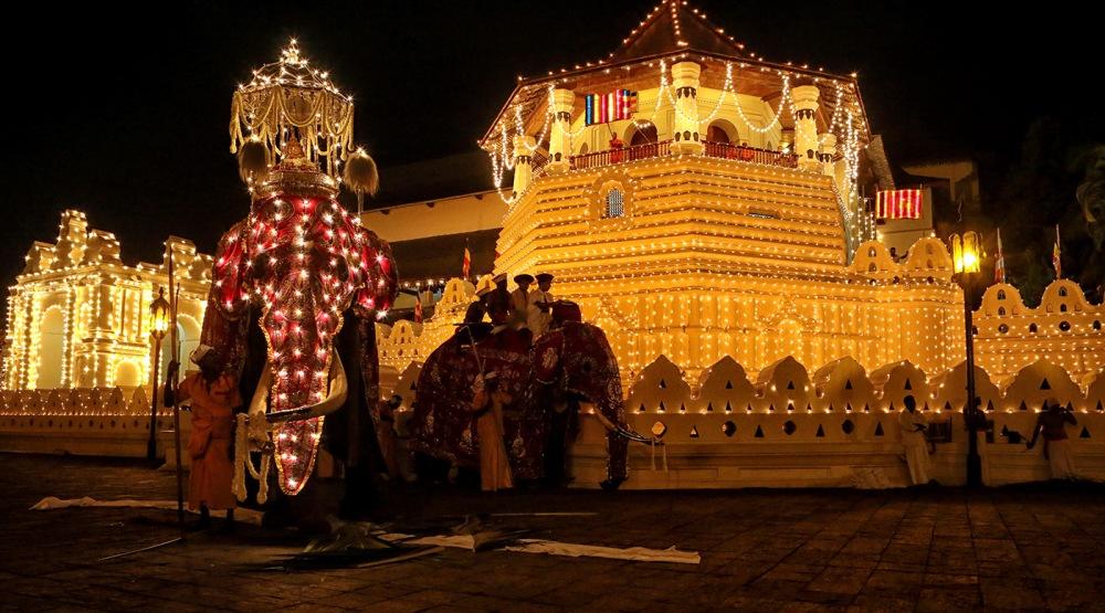 tempio dente kandy